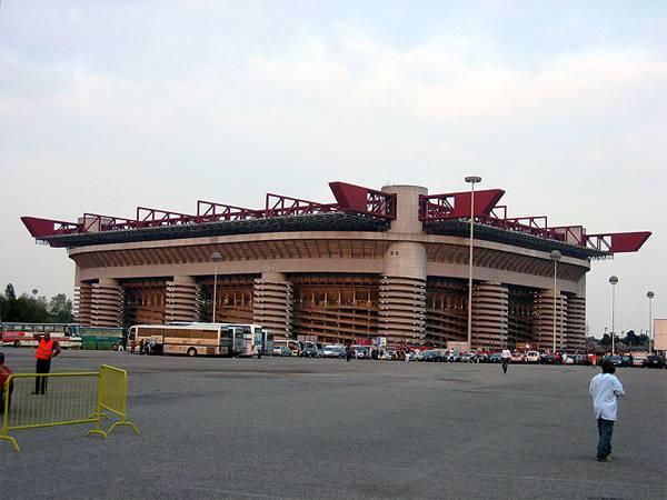 San Siro12 Inter, ancora caos biglietti a San Siro