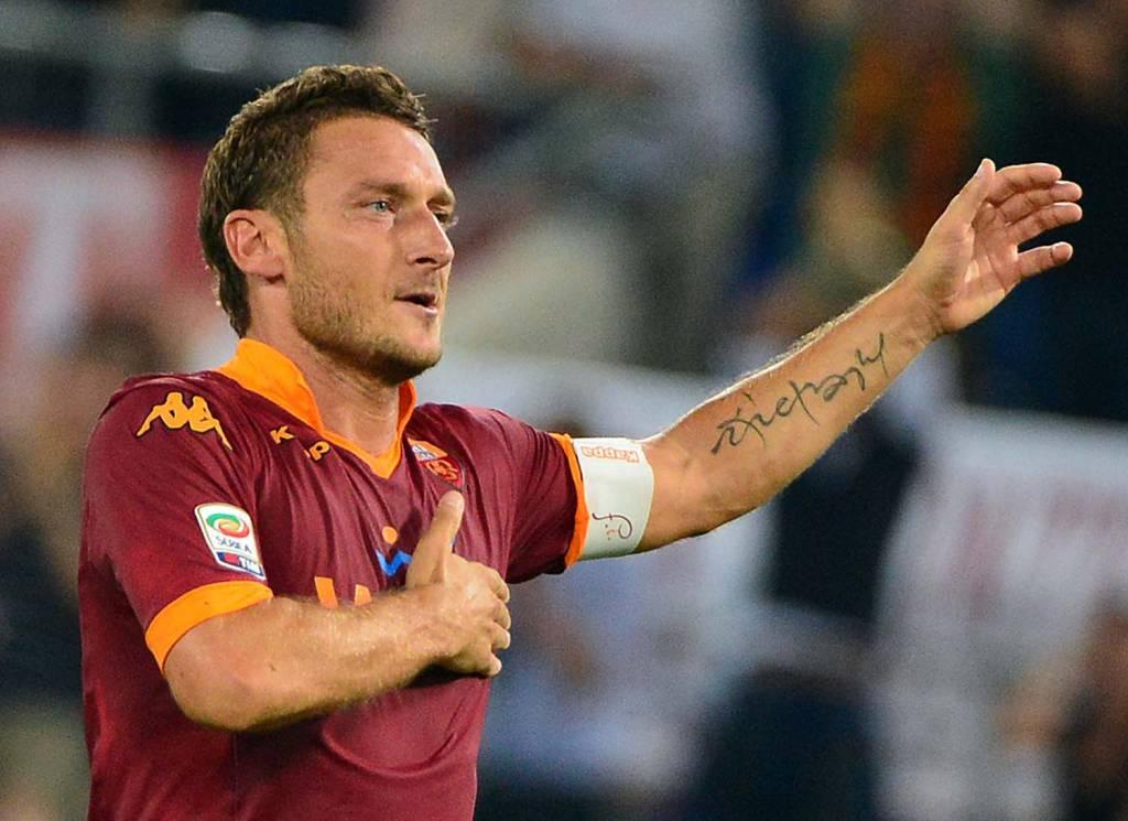 http://www.calciomercatonews.com/wp-content/uploads/Totti75.jpg