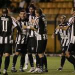 Brasileirao 2010, che gol del 'Loco' Abreu! – Video