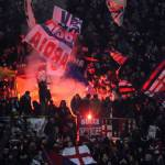 Bologna-Juventus, vergognoso striscione dei tifosi felsinei contro i morti dell'Heysel!