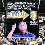 Foto – Striscione bianconero contro Paolo Bonolis: i tifosi bianconeri non dimenticano le parole del nerazzurro