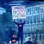 Foto – Juventus, Buffon espone uno striscione-sfottò durante i festeggiamenti: polemica con l'Inter?