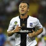 Parma-Milan, i tifosi rossoneri contro l'ex Cassano: tanti cori durante la partita