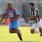 Catania-Juventus 0-1, i bianconeri trionfano tra le polemiche: Vidal risolve, ma gol regolare annullato a Bergessio!