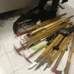 Foto – Pazzesco arsenale trovato nei pressi dell'Olimpico prima del derby: ecco cosa è stato sequestrato ai tifosi!