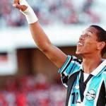 Calciomercato Inter story: per Ronaldinho è sfida con la Lazio