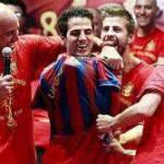 Sudafrica 2010: Spagna, Fabregas indossa la maglia del Barça durante i festeggiamenti – Foto