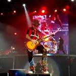 Milan, che sorpresa: i Guns n'Roses con la maglia rossonera – Video