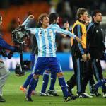 """Mondiali, Heinze vs cameraman: esultanza """"aggressiva""""… – Video"""