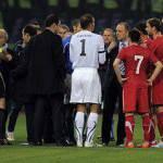 Italia-Serbia, l'attacco dei tifosi serbi al pullman della nazionale – Video