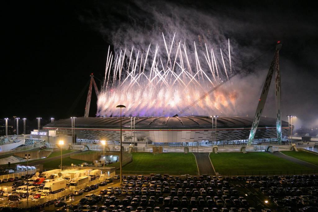 Serie A Juventus Nuovo Stadio Vecchi Scontri Fra Tifosi