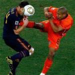 Calcio estero, De Jong 'il macellaio' colpisce ancora. E stavolta si gioca la nazionale – Video
