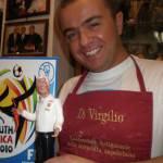 Mondiali 2010: Lippi diventa statuetta del presepe, con corno portafortuna… – Foto