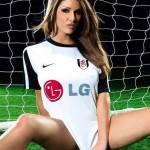 Lucy Pinder, la Premier League si presenta bene – Foto