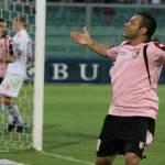 Palermo, sospiro di sollievo per Miccoli: l'infortunio è meno grave del previsto