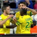 Video – Metà squadra del Nantes scende in campo con maglie senza sponsor: cosa accade?