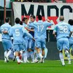 Maglia Napoli 2010-2011, la versione proposta da un tifoso azzurro – Foto