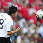 Calciomercato, il riepilogo di giornata: Milan protagonista, da Boateng a Camoranesi. Il Real deriso dal Werder per Ozil, Inter-Sculli domani l'annuncio