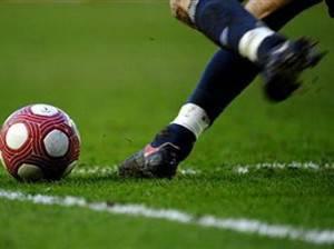 palla527 300x224 Pronostici e scommesse calcio: Livorno Vicenza, il posticipo di Serie B