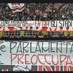 Milan-Udinese, la Sud non ci sta: striscioni e nuovi cori offensivi! Si rischia la chiusura