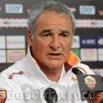 """Roma, parla Ranieri in conferenza: """"Mou non mi manca e l'Inter è favorita"""""""