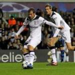 Calciomercato Milan, van der Vaart: l'olandese scontento dell'esclusione dalla Champions