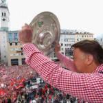 Bayern Monaco, dopo la sconfitta in Champions accoglienza trionfale al ritorno in Germania
