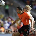 "Sudafrica 2010, Van Persie ""perde l'udito""? Colpa delle Vuvuzela!"