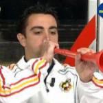 Sudafrica 2010: Spagna, Xavi ha qualche problema con.. le vuvuzelas! – Video