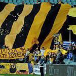 Calcio violento, Grecia: gli ultras dell'AEK aggrediscono l'allenatore – Video