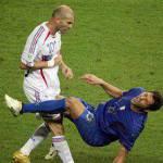 """Zidane-Materazzi, rivelazione di una giornalista: """"Zizou aveva litigato con la moglie"""""""